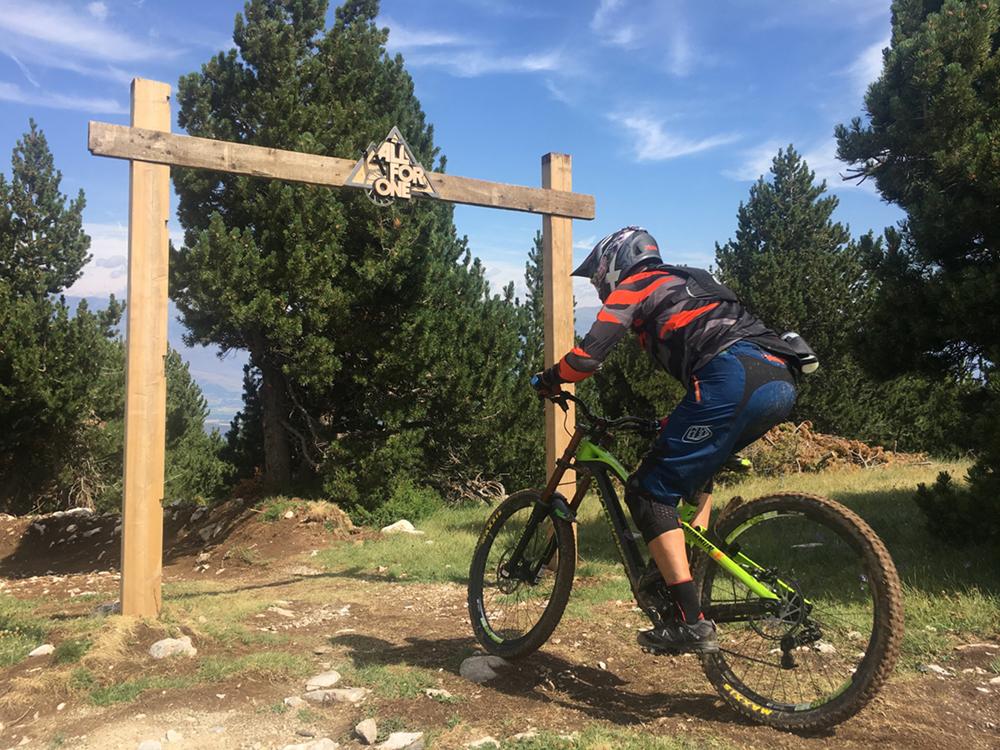 bicicleta-dh-btt-la-molina-all-for-one