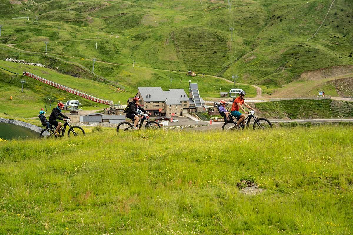 boi-taull-estiu-bicicleta-btt-panoramica-peu-de-pistes-pixion