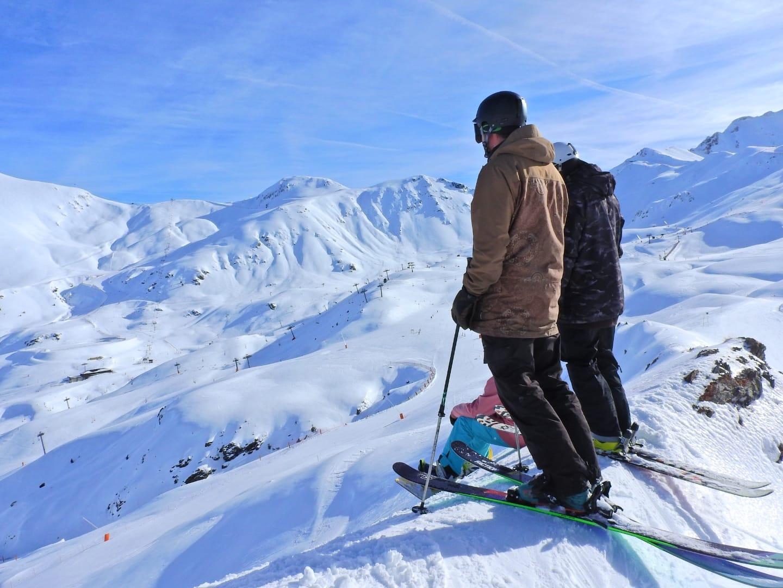 boi-taull-panoramica-esquiadors-forapista