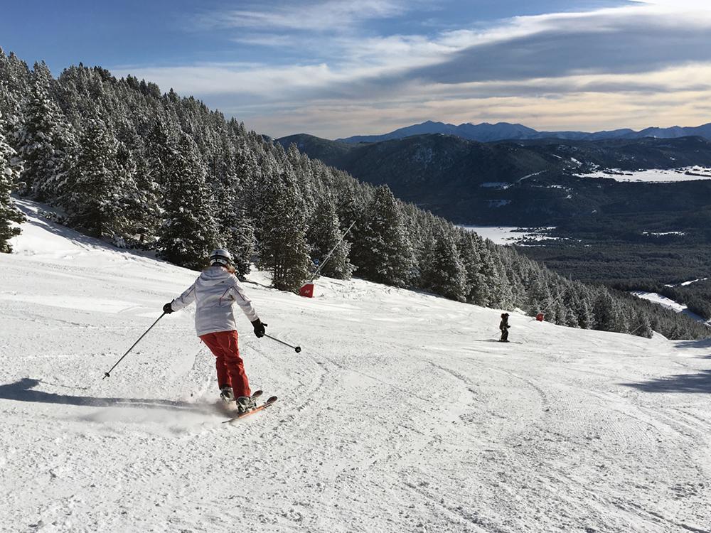 els-angles-pista-esquiadora
