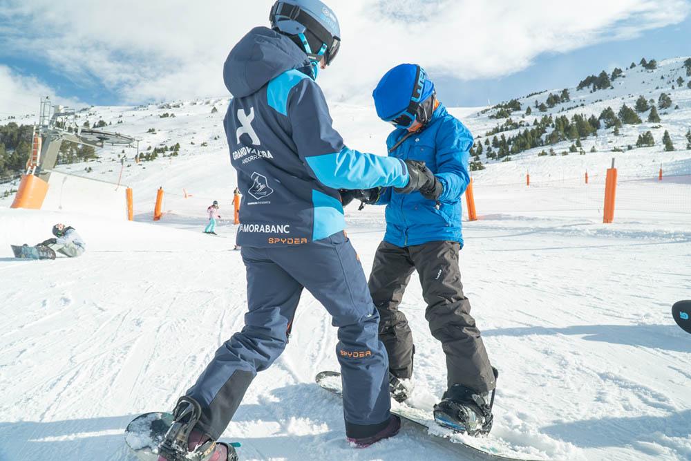 escola-snowboard-professor-monitor-alumne