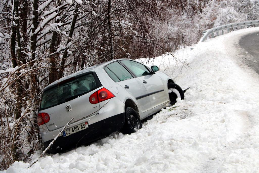 pneumatics-hivern-cotxe-neu-accident-acn-marta-lluvich