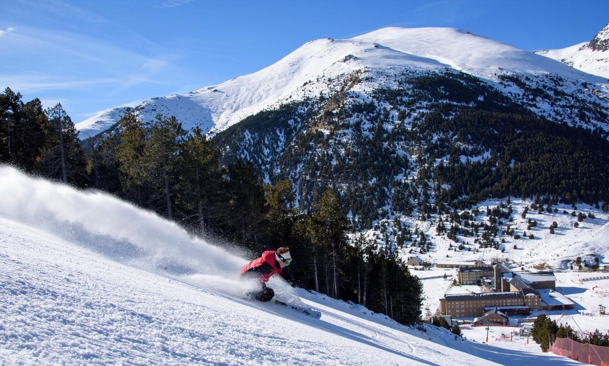 vall-de-nuria-esquiador-santuari-la-pala-oml