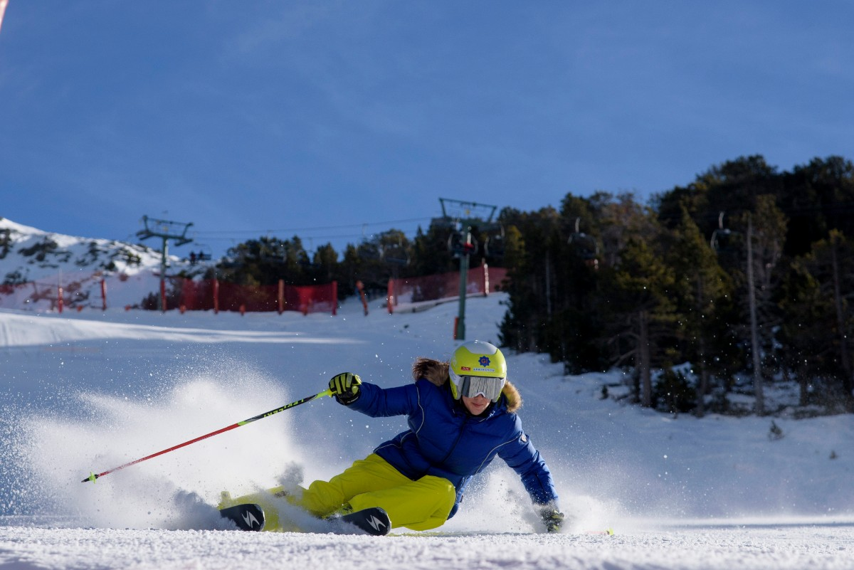vall-de-nuria-esquiadora-oml