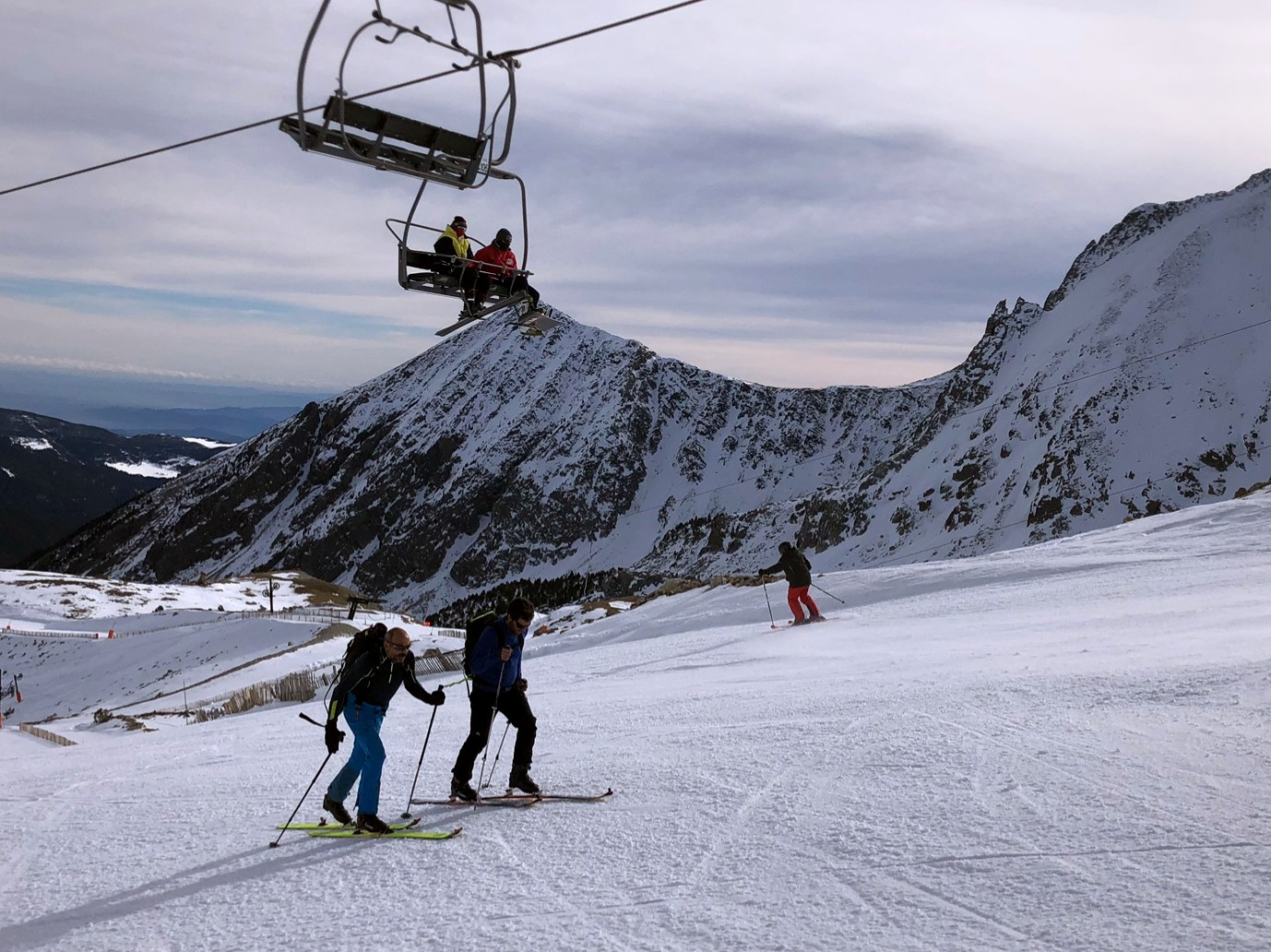 vallter-skimo-telecadira-esquiadors