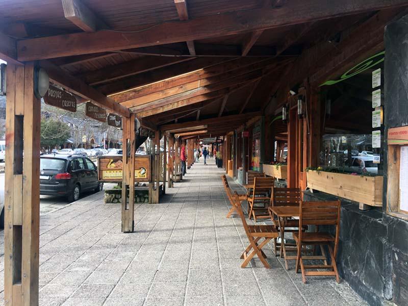 villa-la-angostura-carrer-comercial-ivan-sanz