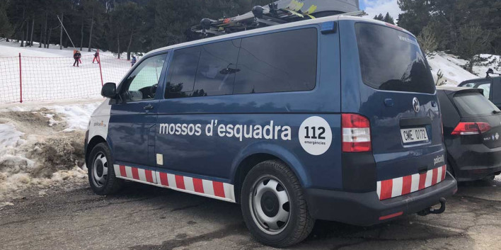la-molina,mossos,pirineu,patrulla,vehicle,neu,portaesquis